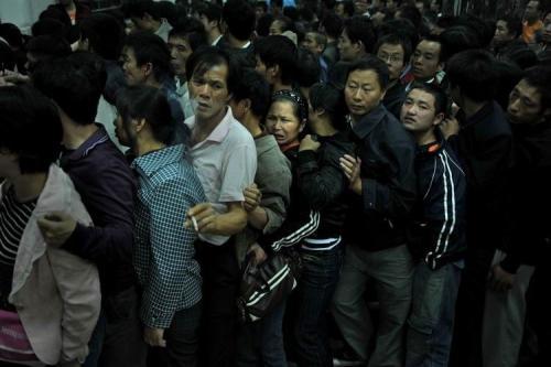湖南湘雅医院排队人群