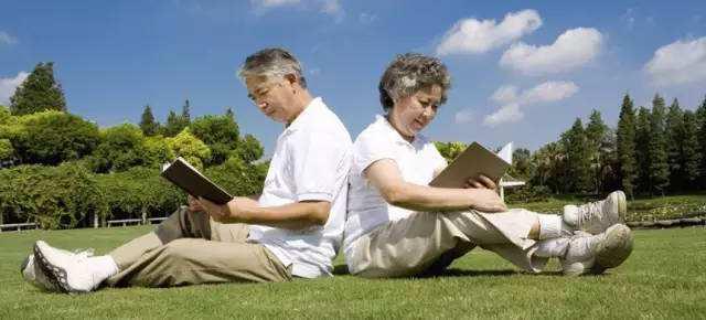50岁以上怎么买保险?
